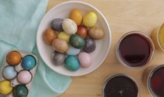 Skip the food coloring and the special kits from the drugstore. You can dye Easter eggs using stuff you already have in your pantry. Making Easter Eggs, Easter Egg Dye, Crafts For Kids To Make, How To Make, Brown Eggs, Distilled White Vinegar, White Dishes, Time To Eat