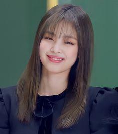 Kpop Girl Groups, Korean Girl Groups, Kpop Girls, Kim Jennie, Rapper, Cute Kawaii Girl, Bts Aesthetic Pictures, Blackpink Photos, Bad Hair