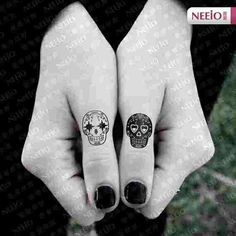 Small sugar skulls. Very cute. I love the black and white, that I must do somewhere but bigger.