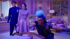 Descendants 3 - Hades saves Audrey Disney Descendants Songs, Descendants Videos, Disney Descendants 3, Descendants Costumes, Descendants Cast, Hades, Smallville, Cameron Boys, Sarah Jeffery