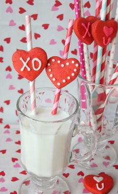 Munchkin Munchies: Cookies {on a straw} and Milk for Valentine's Day