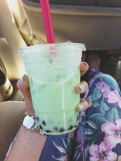 Honeydew Bubble Tea: 1 cup black tapioca pearls 2 green tea bags ½ honeydew melon 1 cup milk or plain soy milk agave syrup to taste #Amazmerizing