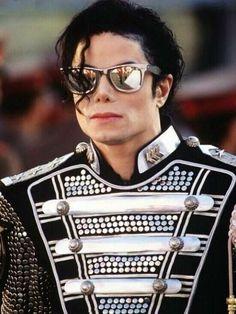 Michael Jackson on the set of HIStory teaser in Budapest 1994 ❤ Michael Jackson Wallpaper, Michael Jackson Hd, Thriller Michael Jackson, Janet Jackson, The Jackson Five, Jackson Family, Familia Jackson, Teaser, Hee Man