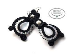 Light soutache earrings with White cats eye Black cat
