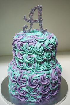 Buttercream rosette swirl cake. Love the colors <3