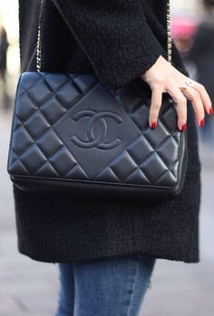 A Chanel handbag is anticipated to get trendy. Trend has a fantastic impact on us all specially on those well off. So how could you get a Chanel handbag? Burberry Handbags, Chanel Handbags, Chanel Clutch, Chanel Bags, Small Handbags, Purses And Handbags, Luxury Bags, Luxury Handbags, Hermes