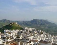 Uitzicht op het Arabisch kasteel en het dorp