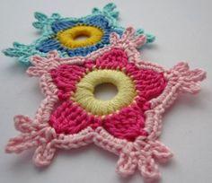 Die erste gehäkelte Paradiesblume - first crocheted paradise flower
