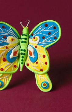 Hey, look at that colorful butterfly! See how easy it is to make this fun spring kid's craft right here.