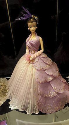 Silkstone BArbie in pink gown magia12.jpg (528×960)