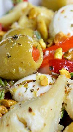 Marinated Mozzarella Balls, Artichokes and Olives - WonkyWonderful Olive Recipes Appetizers, Italian Appetizers, Yummy Appetizers, Vegetarian Appetizers, Marinated Cheese, Marinated Olives, Tapas, Artichoke Recipes, Paleo