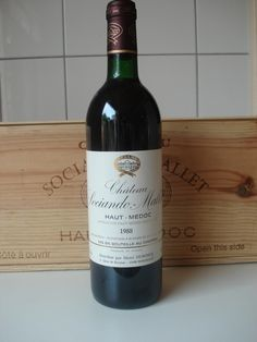 Currently at the Catawiki auctions: 12 bottles Château Sociando-Mallet 1988 Red wine, Haut-Médoc