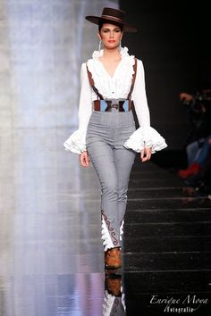 womans spanish style bolero jacket and skirt Retro Fashion, High Fashion, Fashion Show, Womens Fashion, Fashion Design, Spanish Dress, Spanish Style, Couture Mode, Couture Fashion