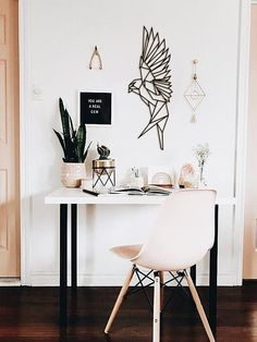 Minimalist home office decor in shades of pink, black and a touch of . - Minimalist home office decor in pinks, blacks and a touch of … - Bedroom Desk, Home Decor Bedroom, Diy Home Decor, Diy Bedroom, Bedroom Small, Bedroom Black, Bedroom Colors, Rose Bedroom, Bedroom Rustic