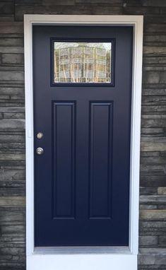New Ideas For Navy Front Door Colors Sherwin Williams Painted Exterior Doors, Exterior Door Colors, Front Door Paint Colors, Painted Front Doors, House Paint Exterior, Blue Front Doors, Black Exterior, Modern Exterior, Exterior Design