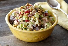 This classic CHICKEN WALDORF SALAD is all about the interesting combination of fruit, vegetable, nuts and chicken tossed in a tangy dressing. Best Salad Recipes, Chicken Salad Recipes, Apple Recipes, Cucumber Recipes, Fast Recipes, Healthy Chicken, Ranch Potato Salad, Bacon Ranch Potatoes, Feta Salad