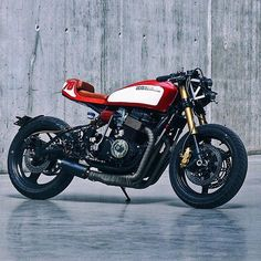 On BikeBound.com:  CB750 mono build by @walefab. Link in Profile #hondacb #cb750 #caferacer