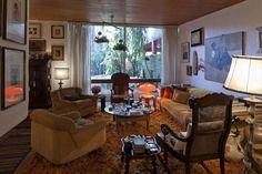A casa de Jorge Zalszupin nos Jardins, em São Paulo, foi construída pelo próprio arquiteto com a ajuda de um servente e de Pepe, um pedreiro espanhol que entendia tudo o que era pedido sem precisar de desenho. Localizada a poucos passos da Alameda