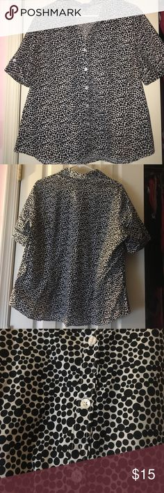 Black & white button up top XXL(20) button up blouse with black polka dots and a white background. In good condition! George Tops Button Down Shirts
