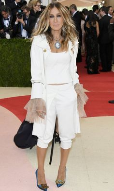 Pin for Later: Sarah Jessica Parker May or May Not Have Traveled Back in Time to Get Her Met Gala Outfit
