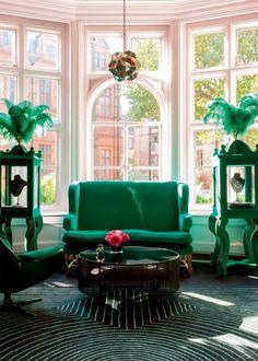Un salon vert émeraude