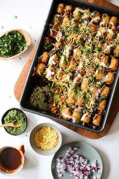 Samosa Chaatdish (Samosa Tater Tot Hotdish Recipe) via Worthy Pause Indian Food Recipes, Vegetarian Recipes, Healthy Recipes, Healthy Indian Food, Rice Recipes, African Recipes, Party Food Ideas Indian, Curry Recipes, Finger Food