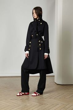 Guarda la sfilata di moda Alexis Mabille a Parigi e scopri la collezione di abiti e accessori per la stagione Pre-Collezioni Autunno-Inverno 2017-18.