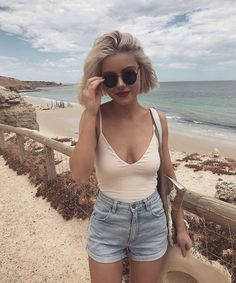 This is the definite guide to summer outfits. We are taking over to bring you the cutest outfits you can wear this season. Laura Jade Stone, Mode Ootd, Estilo Grunge, Summer Outfits Women, Summer Looks, Spring Summer Fashion, Fashion Outfits, Womens Fashion, Cute Outfits
