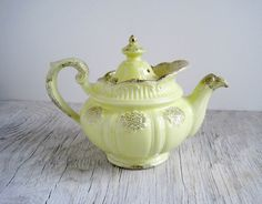 Vintage Hall China Teapot - Country Cottage Style