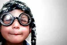 ПРЕПОДНЕСЕНИЕ о счастье. (Прислано, Эльмар) Здравствуйте, сегодня интересуемся мнением людей... Как Вы думаете, какого человека можно назвать счастливым?  (Выслушать ответ).. А эта мысль из Священного Писания может быть ответом?  Зачитать Иов 5:17 (Выслушать ответ).. А важно ли для этого иметь чистое сердце?  Зачитать Мф. 5:8 Заложи основание для повтора!