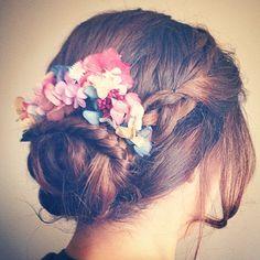 """""""Ayer me enamoré de este recogido con corona de @jimenarilova  #wedding #boda…"""