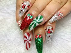 What manicure for what kind of nails? - My Nails Cute Christmas Nails, Christmas Nail Art Designs, Holiday Nail Art, Xmas Nails, Christmas Acrylic Nails, Valentine Nails, Perfect Nails, Gorgeous Nails, Pretty Nails