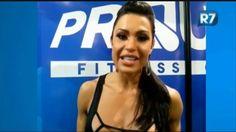 Exclusivo: Gracyanne Barbosa passa receita de brigadeiro fit - Vídeos - R7