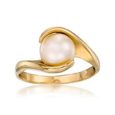 Love this vintage pearl ring - would be nice in white gold!