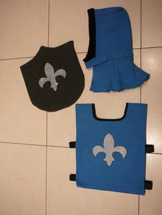 Knight costume - this tunic would be easy to make and would .- Knight co . Dress Up Outfits, Dress Up Costumes, Diy Costumes, Halloween Costumes, Medieval Party, Medieval Costume, Sewing For Kids, Diy For Kids, Costume Chevalier