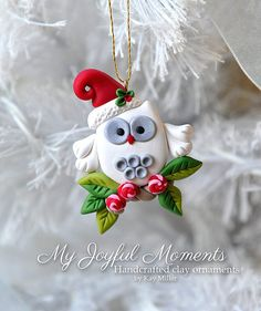 This is s one of a kind, handcrafted ornament made of durable polymer clay, with much attention given to detail and careful construction. No - Polymer Clay Journal Polymer Clay Owl, Polymer Clay Ornaments, Polymer Clay Projects, Polymer Clay Creations, Christmas Projects, Christmas Crafts, Christmas Ornaments, Crea Fimo, Polymer Clay Christmas