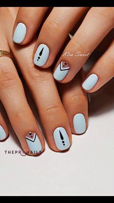 nude-women-nice-nails