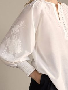 Shirts & Blouses - SALE - WOMEN - Massimo Dutti sew einfach clothes crafts for beginners ideas projects room Sleeves Designs For Dresses, Sleeve Designs, Cotton Blouses, Shirt Blouses, Cotton Shirts, Blouse Styles, Blouse Designs, Blouse Patterns, Hijab Fashion