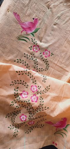 Saree Painting Designs, Fabric Paint Designs, Painting Patterns, Beaded Flowers Patterns, Hand Embroidery Patterns Flowers, Hand Embroidery Designs, Fabric Paint Shirt, Fabric Painting On Clothes, Hand Painted Fabric