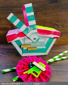 Come realizzare un cestino porta merenda in carta scrap per una festa  #videotutorial #scrapbooking #scrap #craft #yupplacraft #abbellimenti #estate #picnic #party Estate, Coasters, Picnic, Gift Wrapping, Gifts, Gift Wrapping Paper, Presents, Coaster, Wrapping Gifts