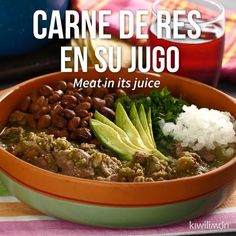 To me this is mot carne en su jugo. Looks like carne de puerco con chili and made into tacos. Meat Recipes, Mexican Food Recipes, Cooking Recipes, Healthy Recipes, Cooking Kale, Shrimp Recipes, Tasty Videos, Food Videos, Think Food