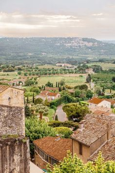 Provence France Travel Guide (Exploring the Luberon) - A Beautiful Plate