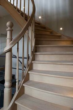 Idée lampes dans l'escalier