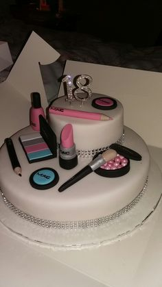 Two tier MAC make up cake Makeup Birthday Cakes, 25th Birthday Cakes, Birthday Cakes For Women, Fondant Cake Toppers, Cupcake Cakes, Sweet 16 Makeup, 40th Birth, Makeup Themes, 18th Cake