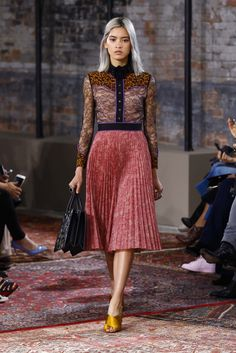 Gucci Resort 2016 - Collection - Gallery - Style.com Clothing, Shoes & Jewelry : Women http://amzn.to/2jtYPKg