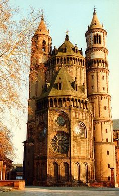 St. Peter Cathedral of Worms, Germany (by mbell1975 on Flickr). The town I grew up in.