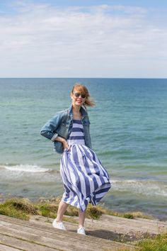 Stripes and blue water <3