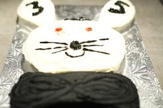 Gâteau fête Martin 2014. Lapin à la demande de Raphaëlle. Gâteau carottes avec glaçage fromage à la crème.