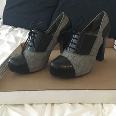 NWT : Black and grey twill faux lace up heels.💞 Cute brand new high heels.  Would look great with a pair of work slacks and a pretty blouse! Apt. 9 Shoes Heels