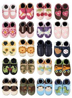 Zapatitos para bebés, muchos estilos y diferentes tallas.  Ingresa ya: http://www.gaiabebe.com/tiendaenlinea/product.php?id_product=35